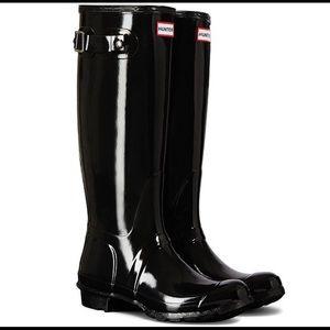 Women's Tall Gloss Buckle Strap Rain Boots Size 8
